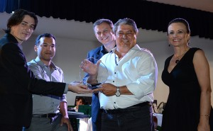 Prefeito de Gramado Nestor Tissot recebe homenagem da organizacao do evento_Credito Rafael Cavalli