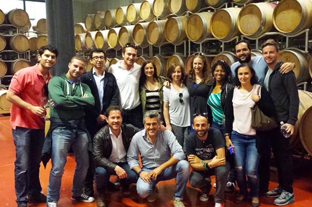 roberto e seus alunos na Winecircus